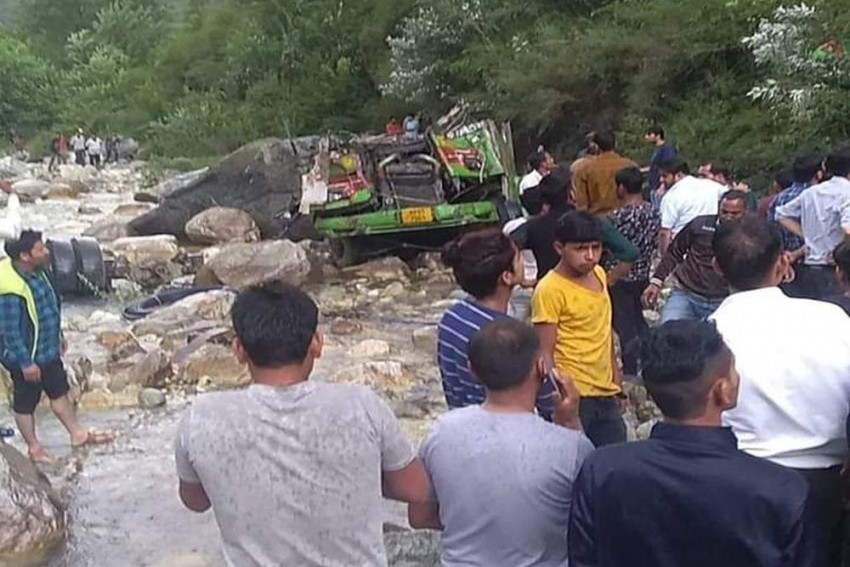 44 Dead, 34 Injured As Bus Falls In Drain In Himachal's Kullu