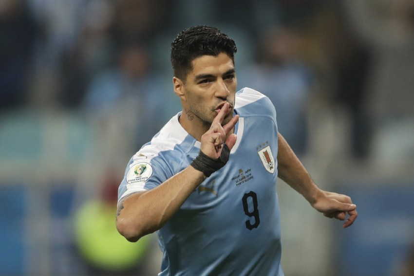 Copa America: Luis Suarez Scores Controversial Penalty In Uruguay's Draw Against Japan
