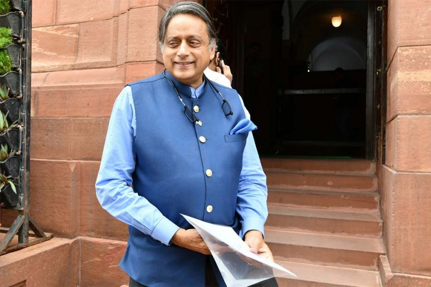 Congress Upset Over Shashi Tharoor's Intervention Against Triple Talaq Bill In Lok Sabha