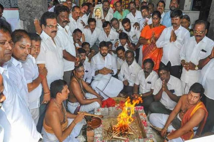 As Chennai Faces Worst Water Crisis, AIADMK Performs 'Havan' Seeking Rain