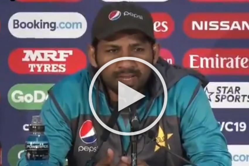 They Have Become Gods On Television: Pakistan Captain Sarfaraz Ahmed Lashes Out At Former Cricketers – WATCH