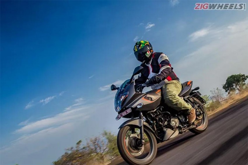 Bajaj Pulsar 180F Review Image Gallery