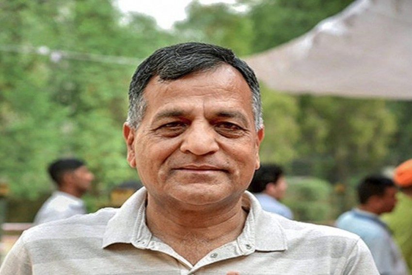 Disclosure Of Ashok Lavasa's Dissent Note May 'Endanger Life Or Physical Safety' Of Individual: EC