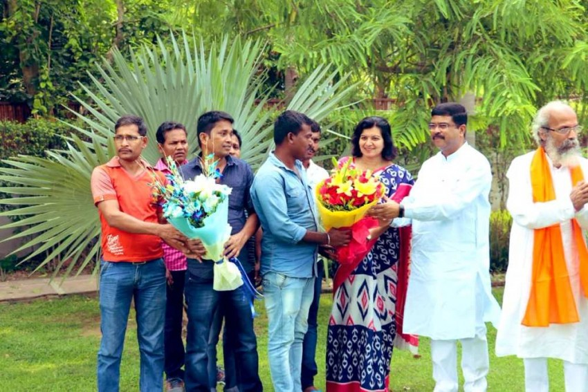10 Odisha Workers Stranded In Dubai Return To India, Dharmendra Pradhan Thanks S Jaishankar