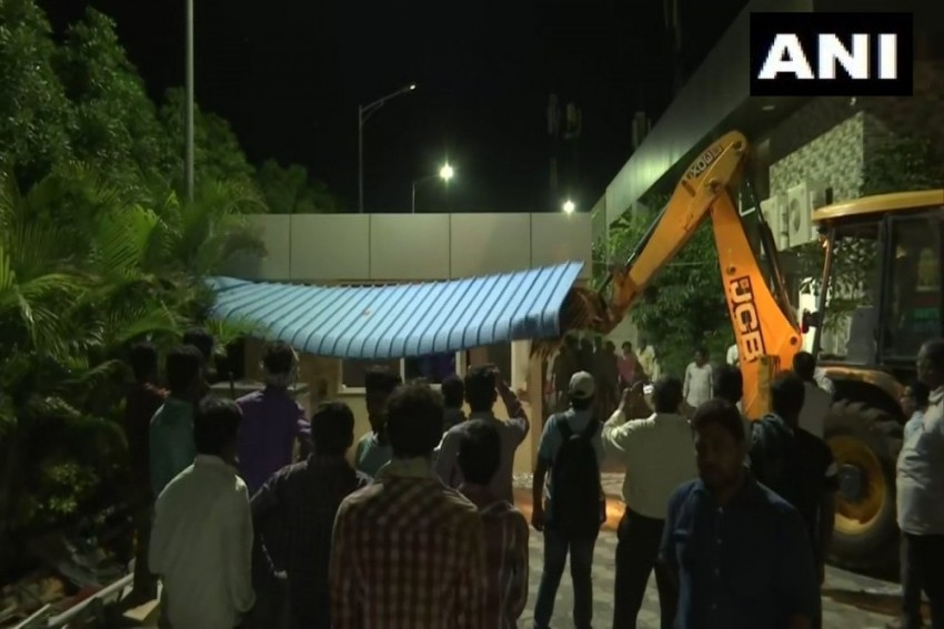 Andhra Pradesh: Demolition Of Building 'Praja Vedika' Built By Former CM Chandrababu Naidu In Amaravati Underway