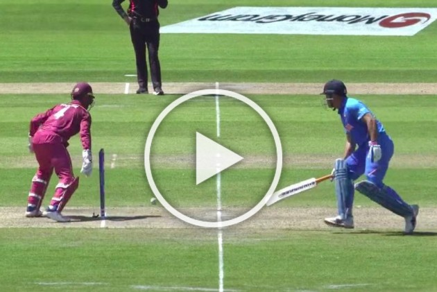 IND Vs WI, Cricket World Cup: Suicidal MS Dhoni Survives As Shai Hope Misses Two Chances In Bizarre Stumping Attempt – WATCH