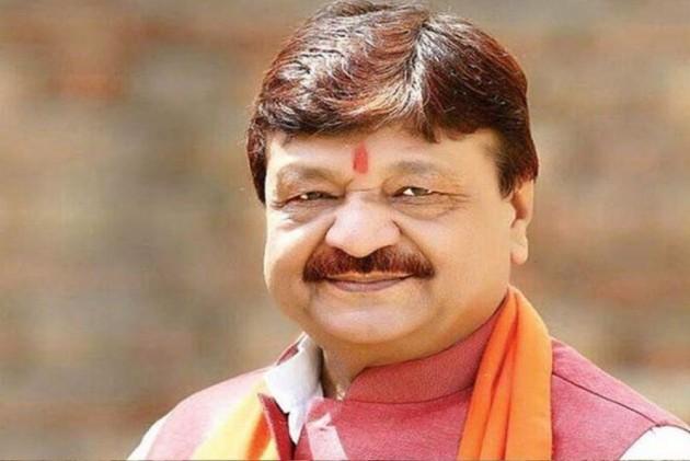 <em>Aukaat Kya Hai Aapki</em>: Kailash Vijayvargiya Hits Out At News Anchor When Asked About Son's Conduct