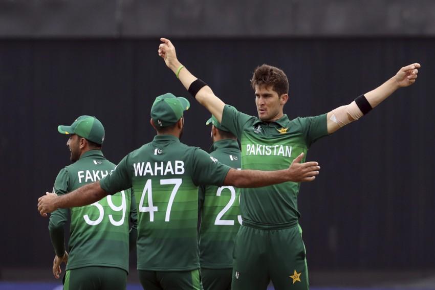 OPINION| 1992 Encore In Sight, Pakistan Must Guard Against Complacency Now: Waqar Younis