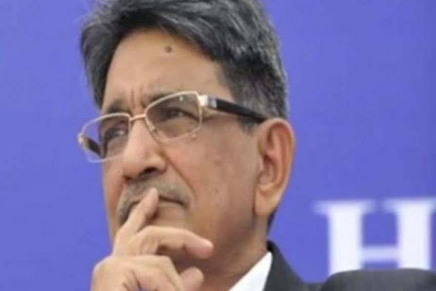 Former Chief Justice Of India RM Lodha Gets Duped Of Rs 1 Lakh Online