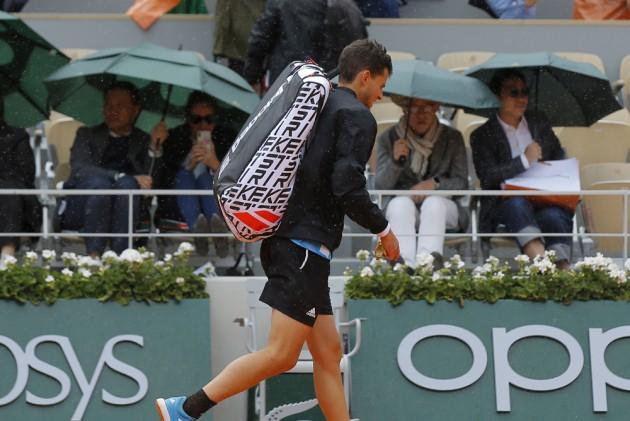 French Open 2019, Fickle Paris Weather Halts Dominic Thiem's Momentum Against Novak Djokovic