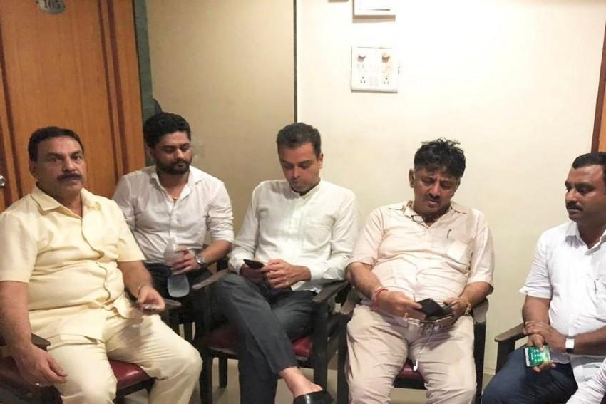 Karnataka Crisis: Milind Deora, DK Shivakumar Detained In Mumbai; Ghulam Nabi Azad In Bengaluru
