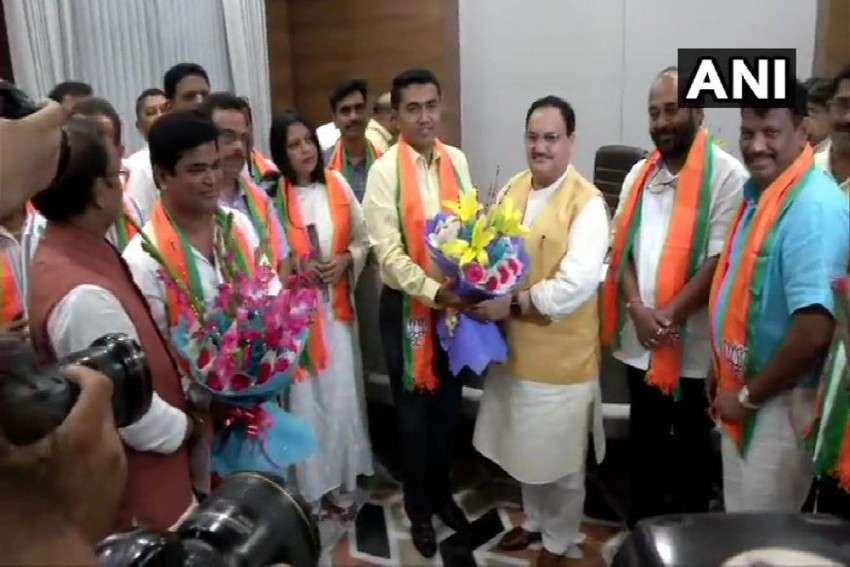 10 Goa Congress MLAs Join BJP In Delhi; State Cabinet Reshuffle Soon