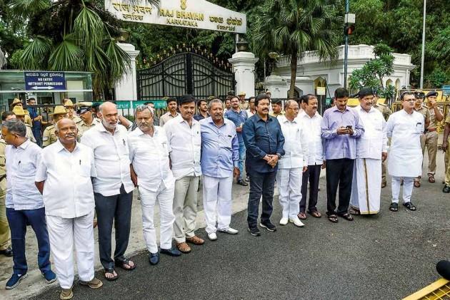 Rebel Karnataka MLAs Returning To Bengaluru From Mumbai