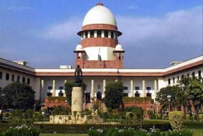 SC Asks Rebel Karnataka MLAs To Meet Speaker At 6 PM, Submit Their Resignations