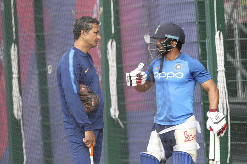After Cricket World Cup Exit, India Assistant Coach Sanjay Bangar Comes Under BCCI's Scanner