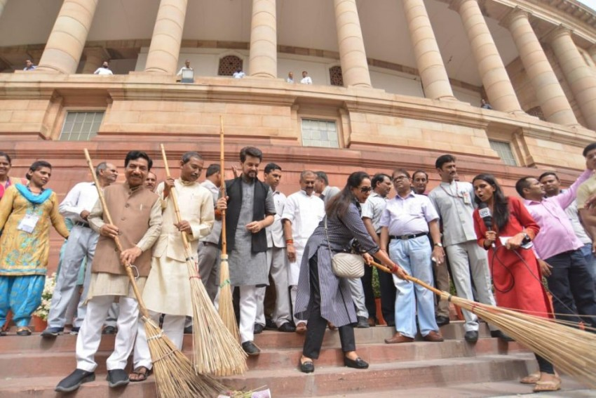 WATCH: BJP MPs Hema Malini, Anurag Thakur Join Cleanliness Drive At Parliament
