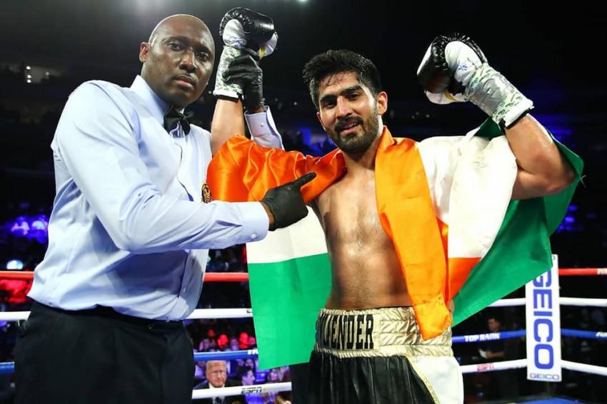 Vijender Singh Continues Winning Streak In His Professional Boxing Debut In US