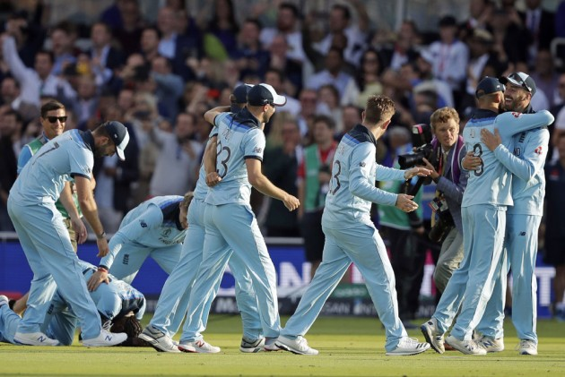 ENG Vs NZ, ICC Cricket World Cup 2019 Final: England Win Maiden Title Via Dramatic Super Over Against New Zealand