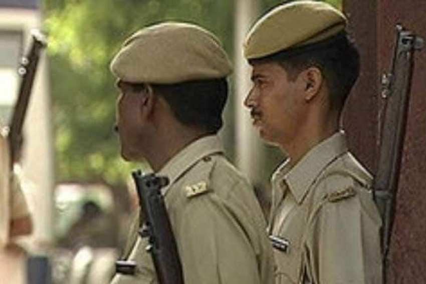 Maharashtra: Watchman Accused Of Molesting 6-Year-Old Girl, Beaten, Paraded Naked On Streets