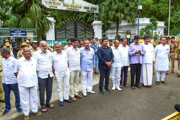 Karnataka Crisis: SC To Hear Plea On Resignations Of 15 Rebel Congress-JD(S) MLAs Today