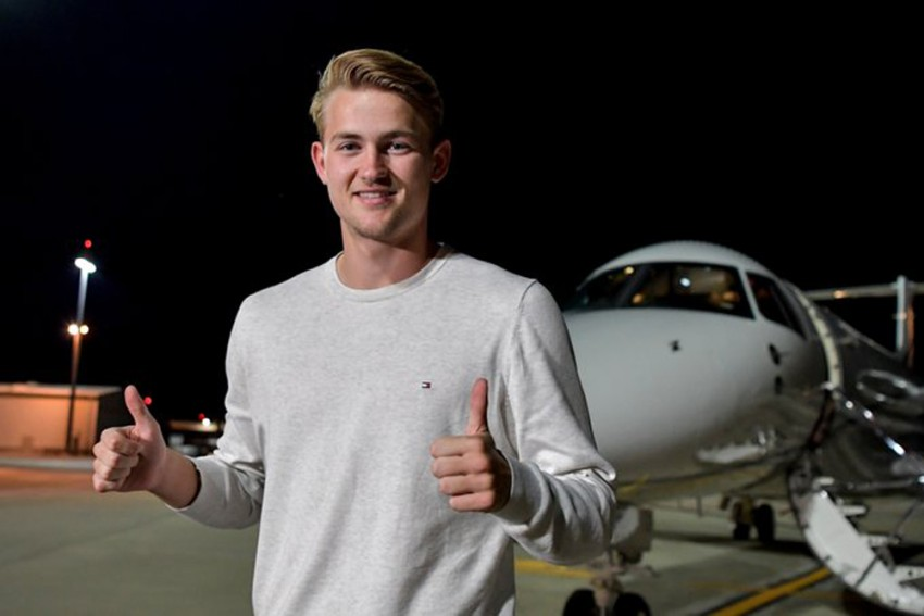 Matthijs De Ligt Arrives In Turin Ahead Of Completing Juventus Move