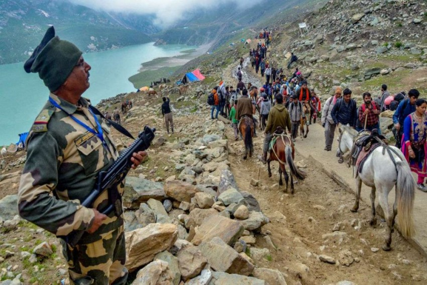 Cops Didn't Allow Me To Take Father's Body To Srinagar Due To Amarnath Traffic: Kashmiri Govt Official