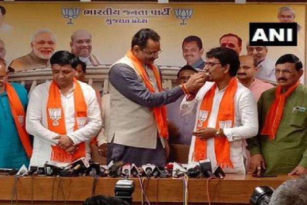 Former Congress MLAs Alpesh Thakor, Dhavalsinh Zala Join BJP In Gujarat