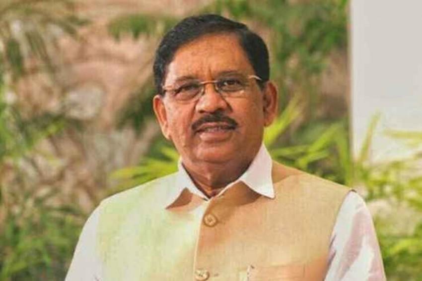 Karnataka Deputy CM Gets Food For Protesting BJP MLAs, Says 'Beyond Politics We're Friends'