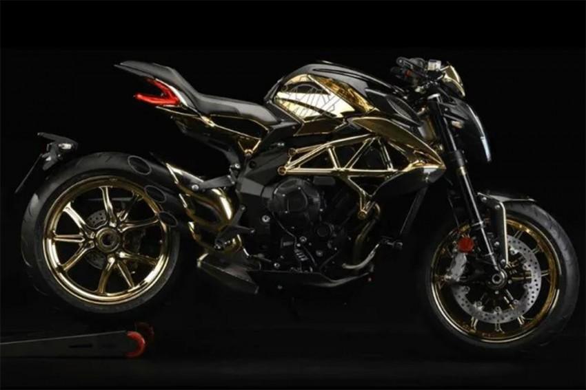 MV Agusta Dragster 800 RC Gets A Golden Makeover