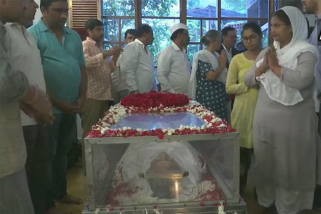 Sheila Dikshit Cremated In Delhi With Full State Honours, Hundreds Attend Funeral