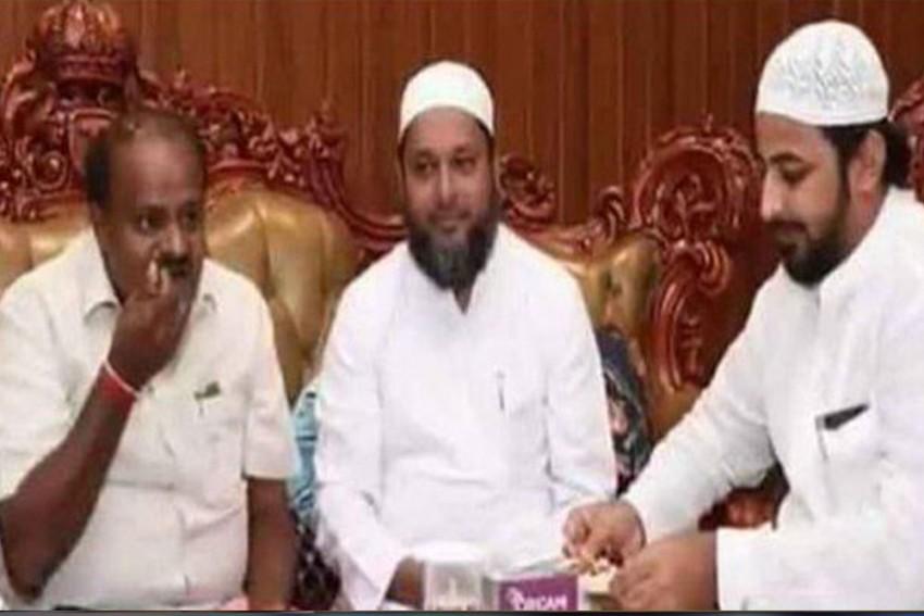 'I Didn't Have Biriyani,' Says Karnataka CM Kumarswamy On Photo With IMA Scam Prime Accused