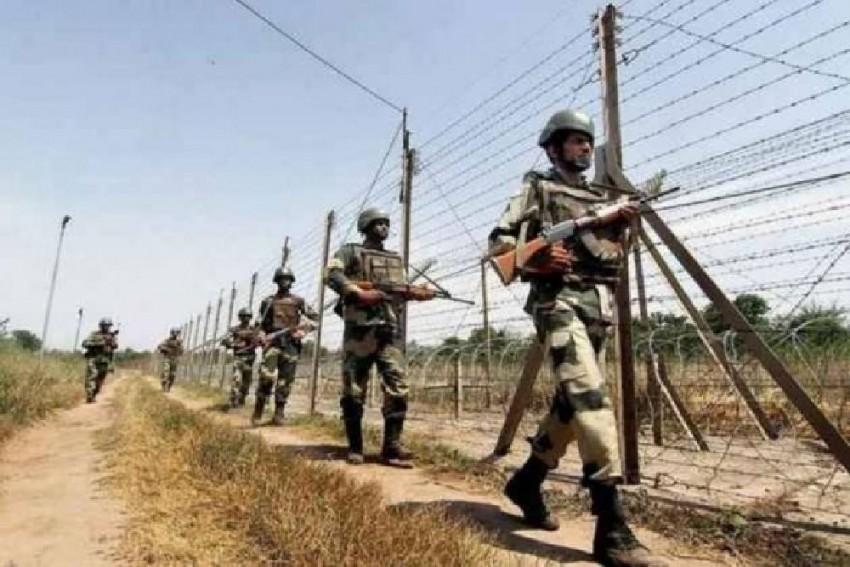 JK: Soldier Killed As Pakistan Violates Ceasefire Along LoC