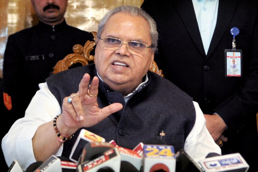 'In A Fit Of Anger': Kashmir Governor Clarifies His 'Advice' To Militants