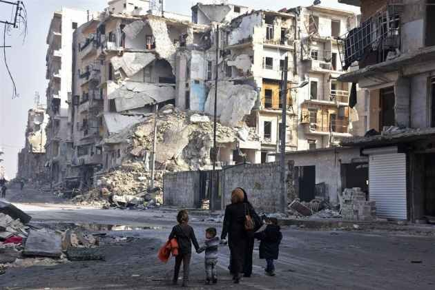 Russian Air Strikes On Syria Market Kill 27: Monitor