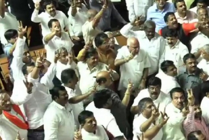 Highlights: After 14 Months In Power, Kumaraswamy Govt Falls In Karnataka