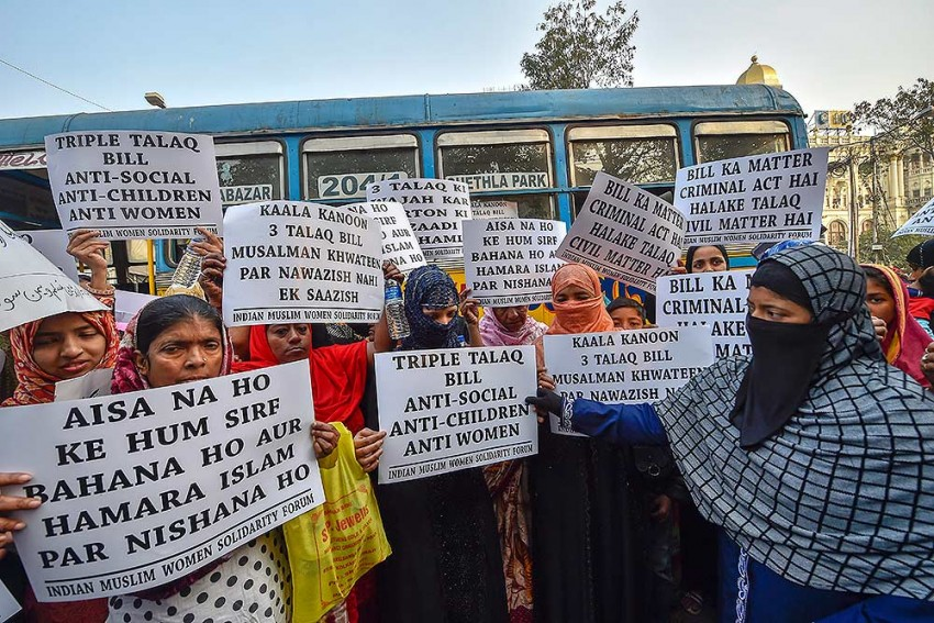 Triple Talaq Bill To Be Tabled In Lok Sabha Today; Opposition Demands Govt Send It To Parliamentary Committee