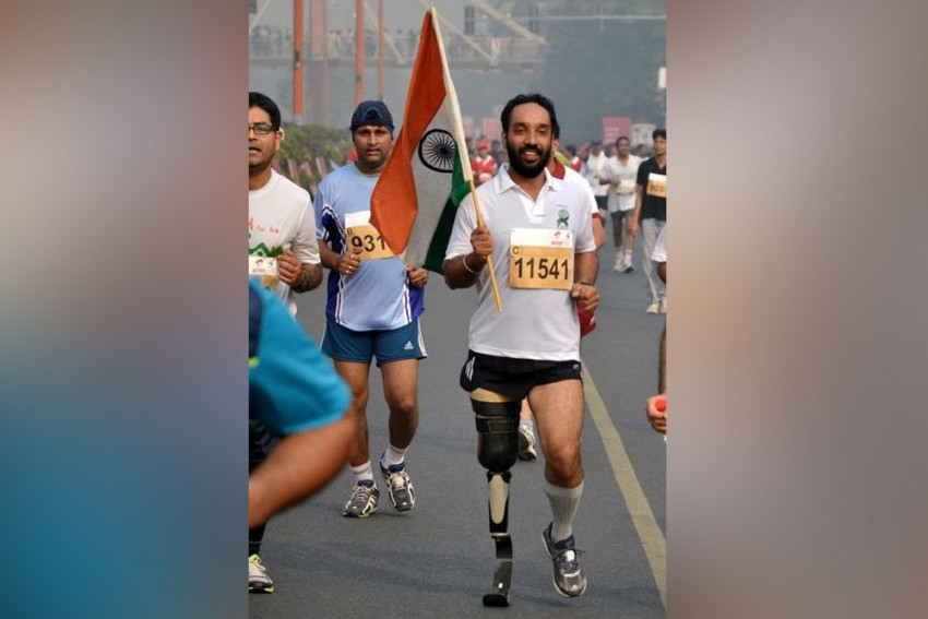 Kargil Hero Runs Last Lap With Victory Flames In Drass With Amputated Leg