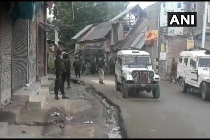 Top Jaish 'IED Maker', His Associate Killed In Kashmir's Shopian