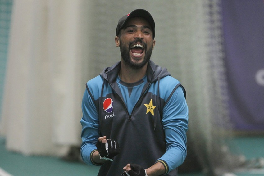 Pakistan Bowler Mohammad Amir Planning To Settle Down In UK: REPORT