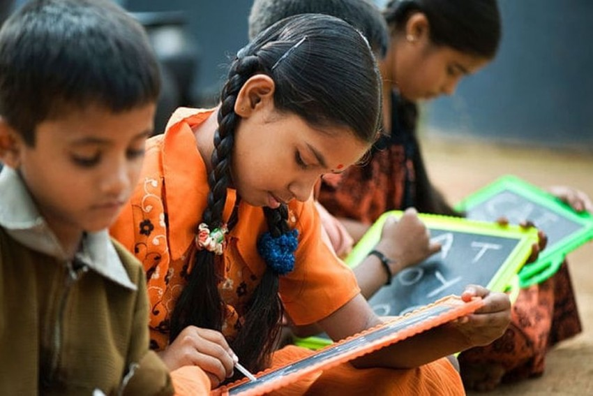 What It Takes To Re-Enroll School Dropouts From Vulnerable Communities: Lessons from Jharkhand