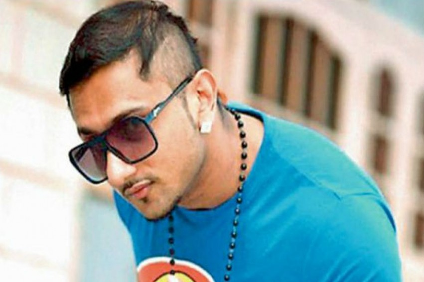 Punjabi Rapper Honey Singh Courts Row Over Lewd Lyrics In Song 'Makhna'