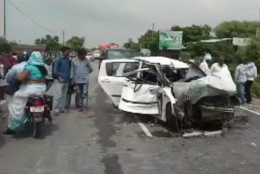 Samajwadi Party Leader's Truck Involved In Unnao Rape Survivor Accident, CBI Probe Recommended