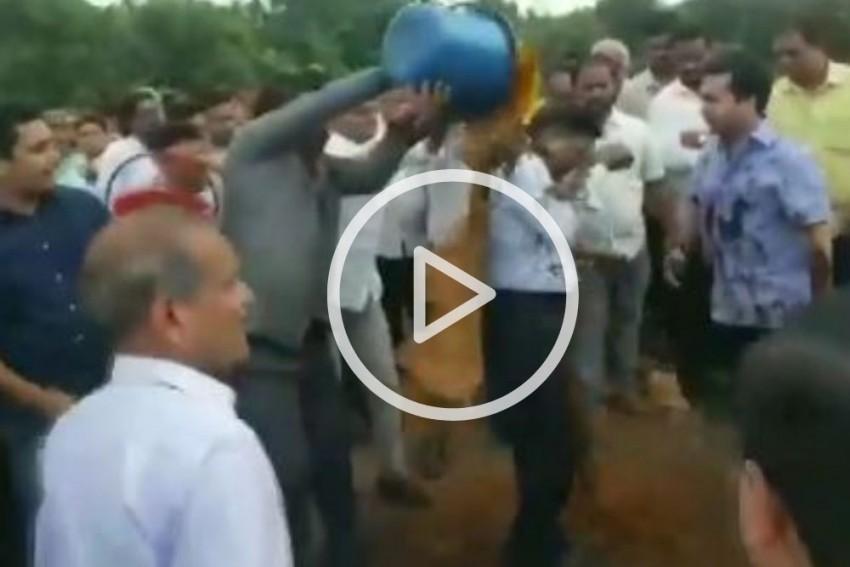 WATCH | Congress MLA Nitesh Rane, Supporters Throw Mud On Engineer In Maharashtra