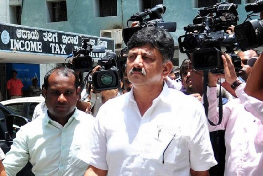 Amid Karnataka Govt Crisis, Shivakumar Accepts He tore Resignation Letters Of MLAs
