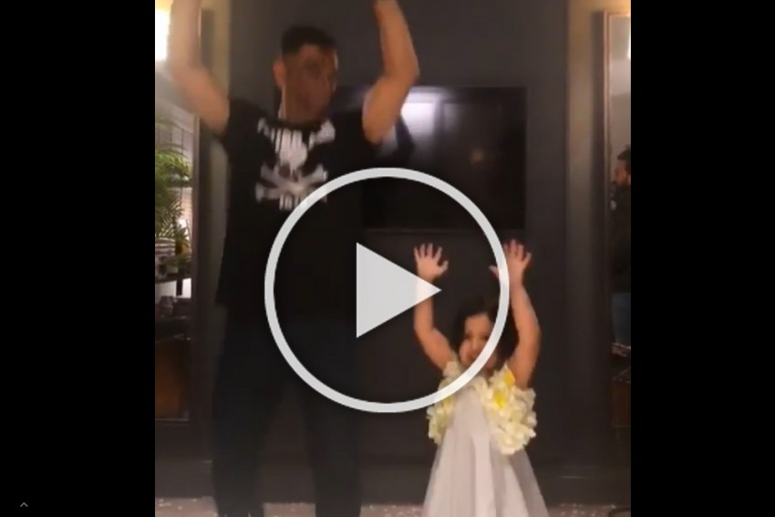 Cricket World Cup: MS Dhoni And Daughter Ziva Shake A Leg Amidst Birthday Celebrations