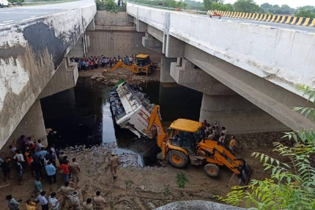 Lucknow-Agra Expressway: 858 Accidents, 100 Deaths In Eight Months