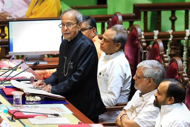 Parties Getting Huge Mandate Must Carry Along Those Who Didn't Vote For Them: Pranab Mukherjee