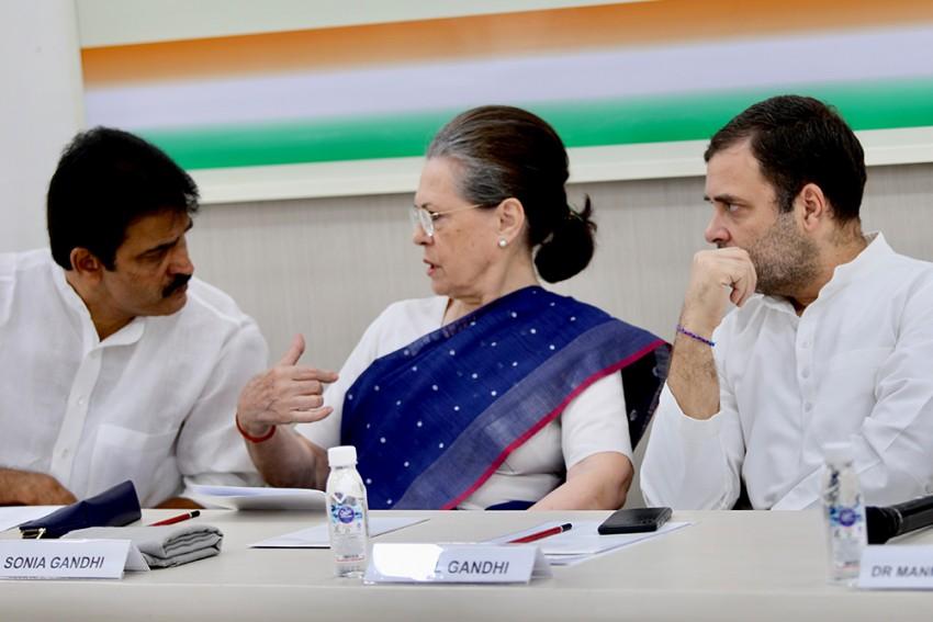 CWC Meeting Updates: Sonia Gandhi To Be Interim President