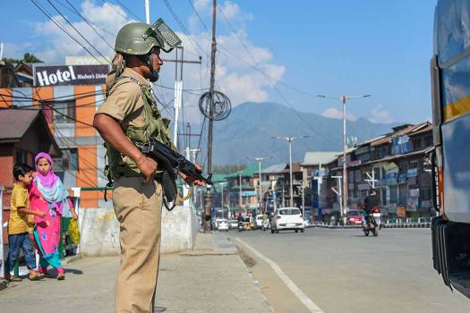 Plea In SC Seeks Lifting Restrictions On Media, Journalists' Movement To Report From J&K