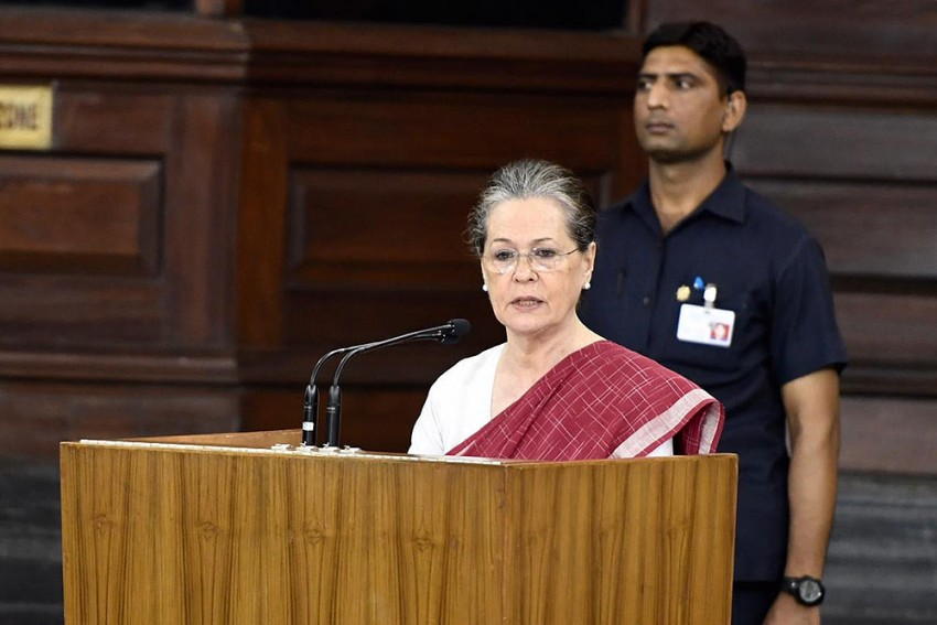 How Congress' Old Guard Convinced Sonia Gandhi To Return As President, For Now